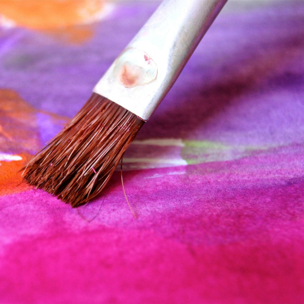 ¿Cómo quitar olor a pintura de un mueble?