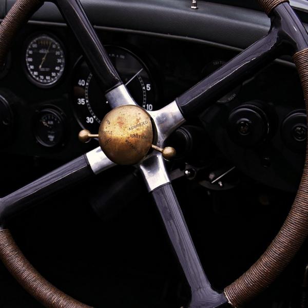 ¿Cómo quitar el olor a humedad del coche?