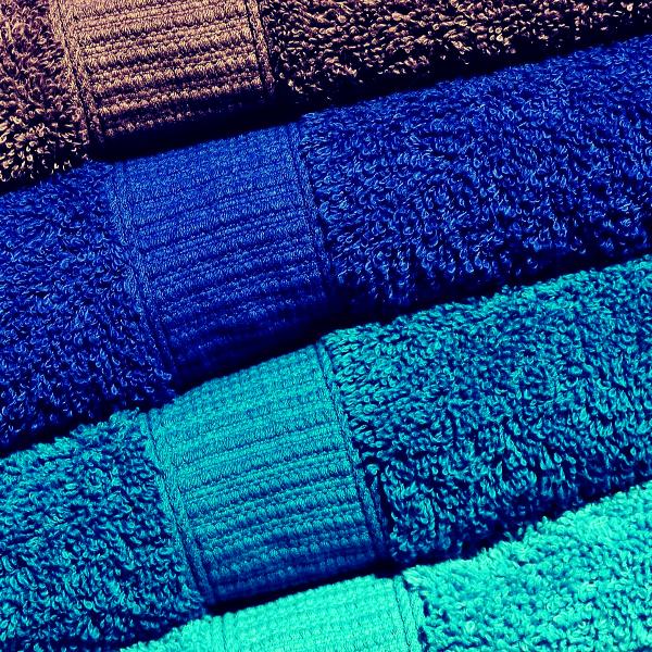 ¿Cómo quitar olor a humedad de las toallas?